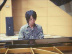 大人のレッスンピアノ画像